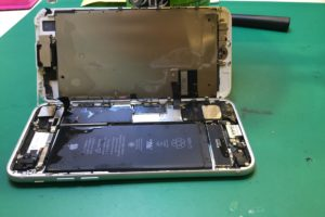 iPhone水没修理について