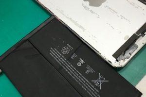 iPadmini2 バッテリー交換【電池の減りが早い】