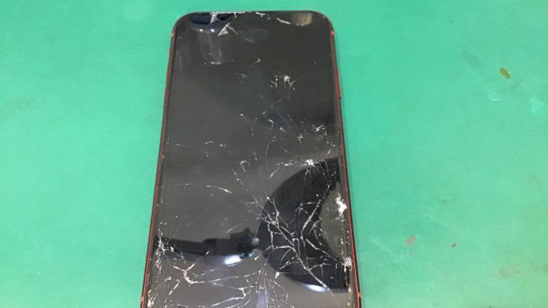 ガラス割れ修理。