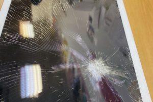 iPad6のガラス交換!!