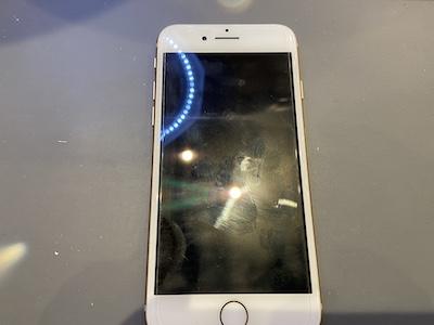 画面がうつらなくなったiPhone8の修理!