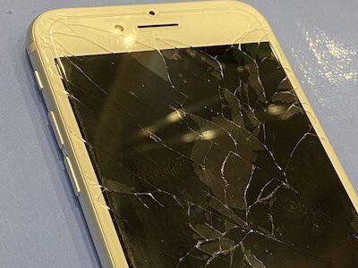 iPhone7 重度の割れも即日修理!