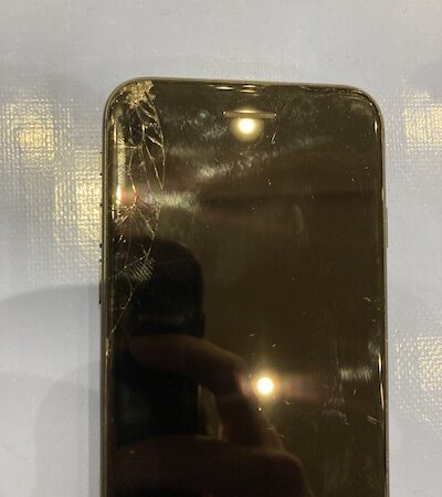 iPhone8の画面交換修理!!
