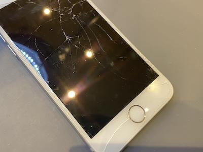 iPhone7の画面交換修理!!