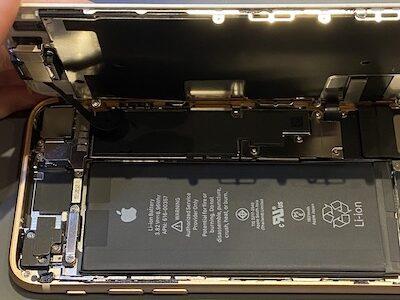 iPhone8 バッテリー交換しました!