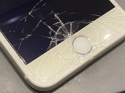 画面割れiPhone8 修理しました!